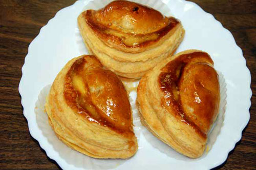 GLAZED PASTRY_Mr Goudas recipes_A loaf of bread