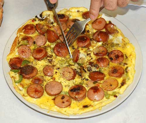 MR GOUDAS recipes_Eggs Sunshine Up_EGG-OMELETTE-SAUSAGE