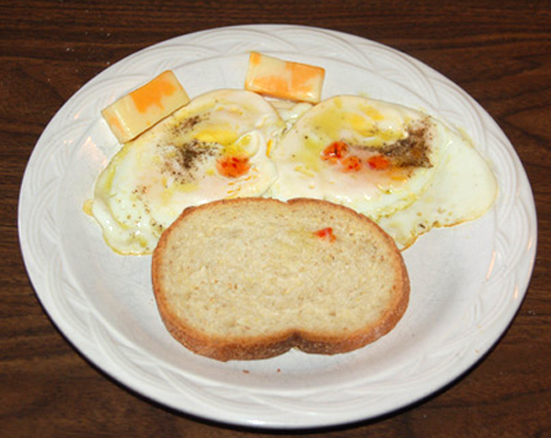 MR GOUDAS recipes_Eggs Sunshine Up_ with marble cheese